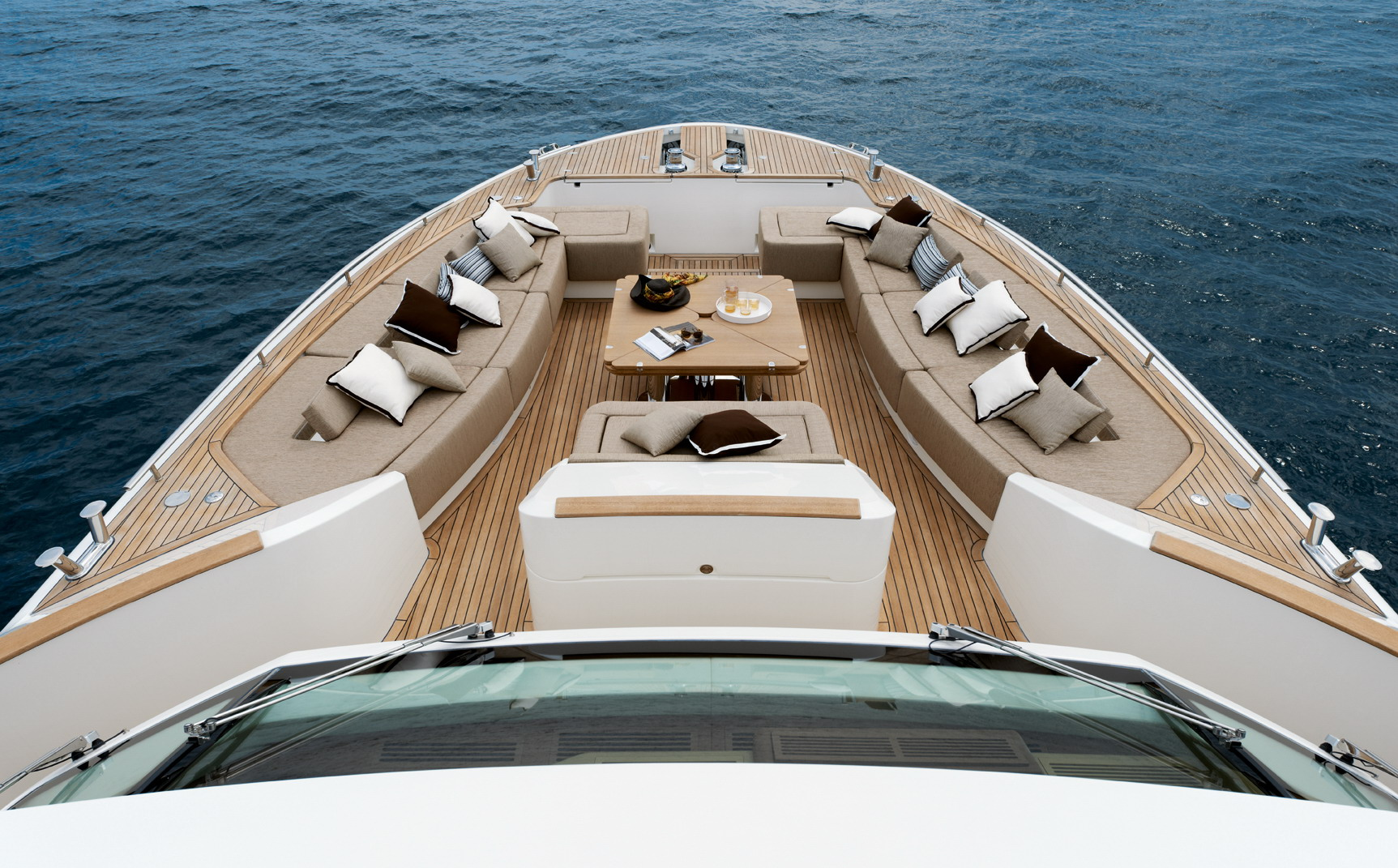 Monte Carlo Yachts 86 (4)