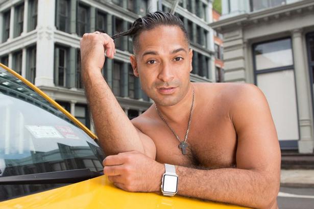 NYC-taxi-driver-pin-up-calendar (8)