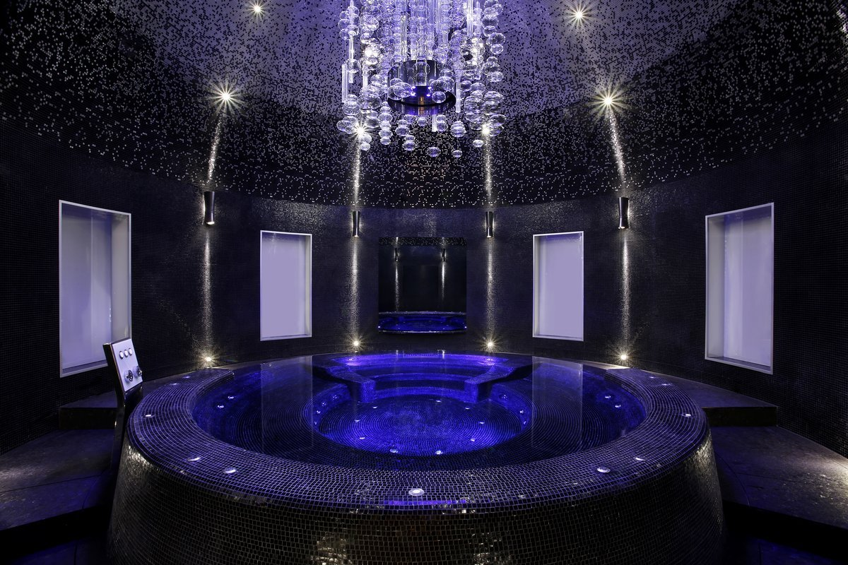 it-even-has-its-own-private-padoga-spa-room-which-includes-a-hot-tub-under-a-dome-a-turkish-bath-and-a-sauna