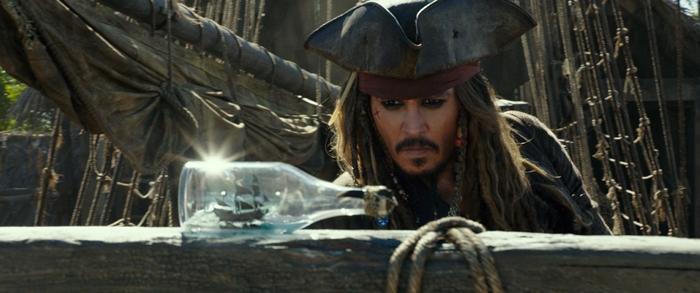 กระหึ่มโรง! 'จอห์นนี เดปป์' ถอนสมอออกเรือปะทะ 'สงครามแค้นโจรสลัดไร้ชีพ' ไพเรทส์ฯ 5