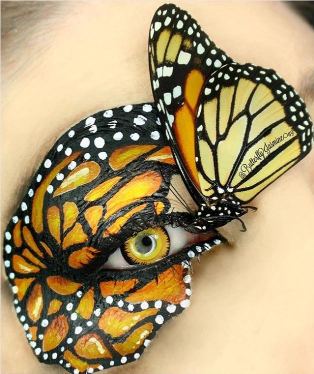 สวยหวีดสยอง 'เมคอัพอาร์ติสต์' โชว์แต่งตาใช้แมลงจริง!